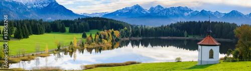 Photo Panorama Landschaft in Bayern mit See und Berge im Allgäu