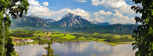 Panorama Landschaft in Bayern mit See und Berge im Allgäu Wallpaper Mural