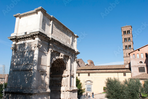 Fotografering The Triumphal Arch Of Emperor Titus in Rome