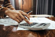 Female Accountant Or Banker Ma...