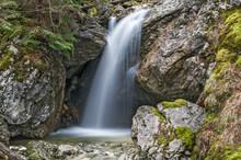 Kleiner Wasserfall Im Martinsg...
