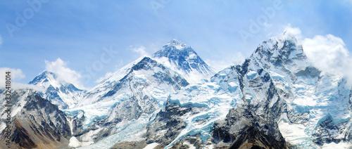 Valokuva Mount Everest with beautiful sky and Khumbu Glacier