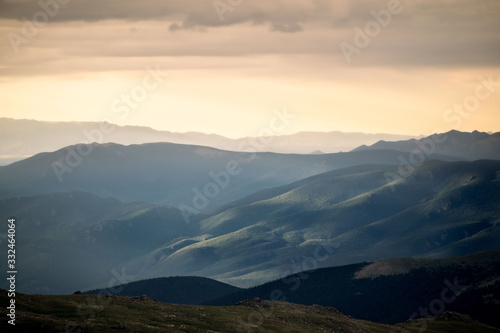 Sunrise over Mount Evans Fotobehang