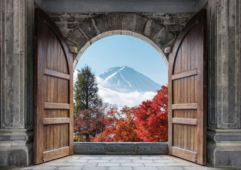 Panel Szklany Podświetlane Drzwi Open large wooden door with mount Fuji-san and autumn maple tree in blue sky