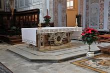 Sorrento - Altare Del Duomo Dei Santi Filippo E Giacomo