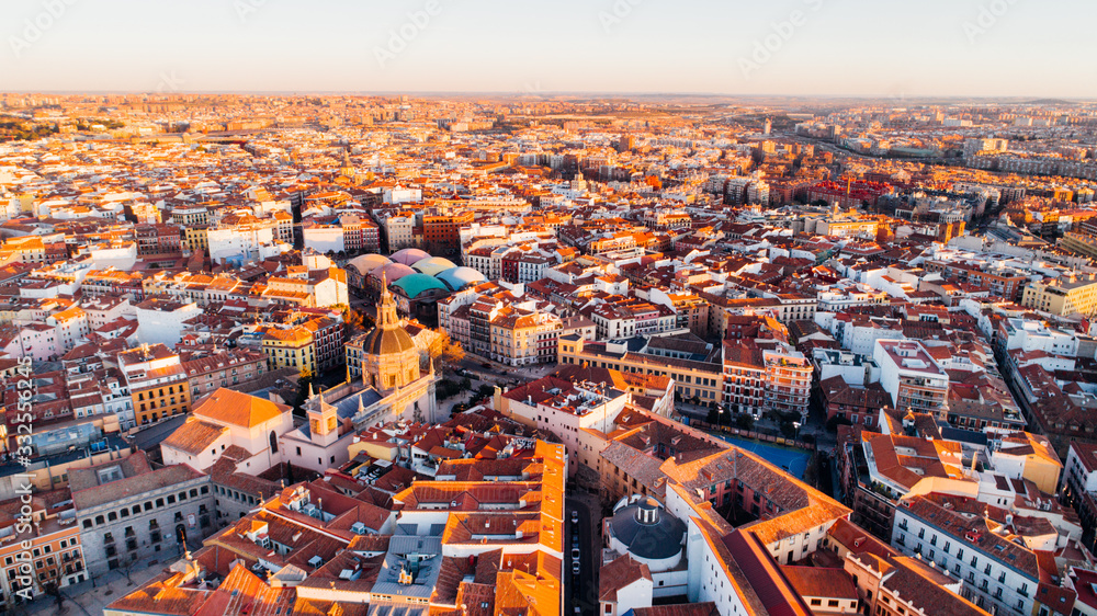 Fototapeta Aerial view of Madrid La Latina district at sunset. Architecture and landmark of Madrid. Cityscape of Madrid. Neighborhoods in capital city of Spain