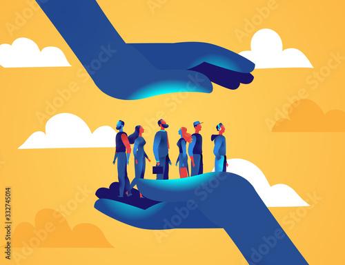 Fototapeta Due grandi mani proteggono un gruppo di persone uomini e donne dalle minacce esterne obraz
