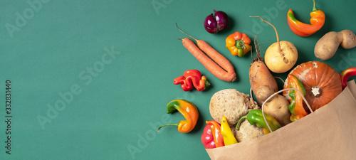 Foto Trendy ugly organic vegetables