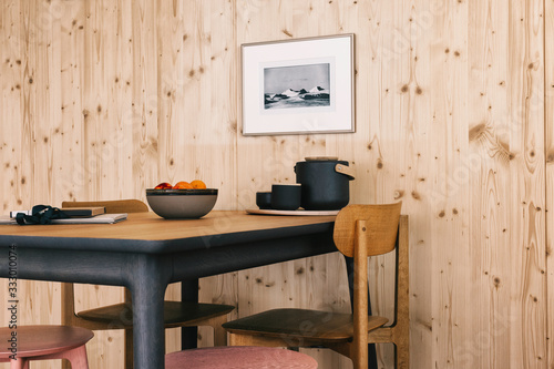 Table in Modern Minimalist Tiny House Made of Wood - 333010074