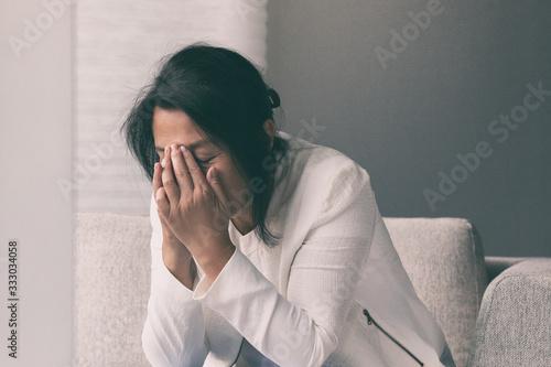 Obraz na płótnie Coronavirus COVID-19 impact on retail businesses shut down causing unemployment financial distress