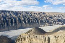Xinjiang Kuitun River Grand Canyon Landscape