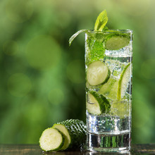 Refreshing Summer Carbonated D...