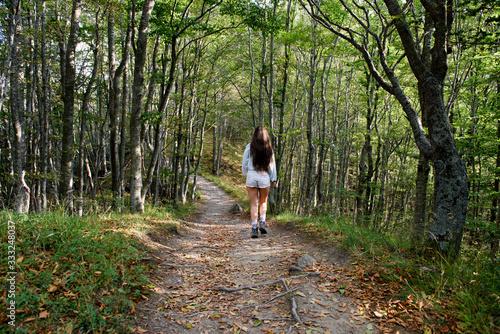 Bella Ragazza in escursione sul monte ventasso appennino tosco emiliano mab unes Canvas Print