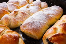 Cooking Sugar And Sweet Roll D...