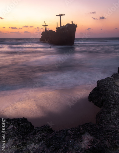 Sunset at sea | Persian Gulf | Greek Ship Canvas Print