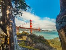 World Famous Golden Gate Bridg...