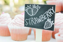 Strawberry Cupcakes Sign