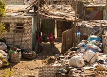 Working Women In Cairo Trash C...