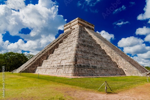 Chichén Itzá is an important Mayan archaeological complex located in Mexico Canvas Print