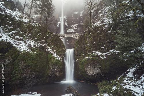 Seattle, Washington (Multnomah Falls)