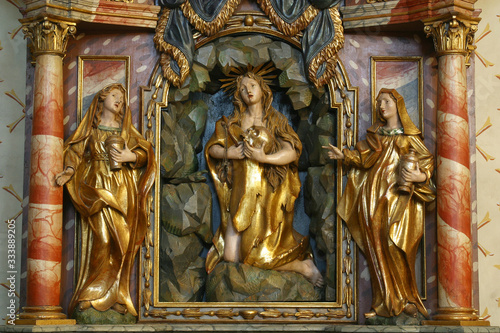 Fotografia The altar of Saint Mary Magdalene in the church of St