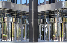 Mirror Revolving Door