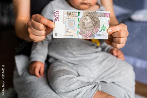 Świadczenie 500 + rodzina plus - dotacja Billede på lærred