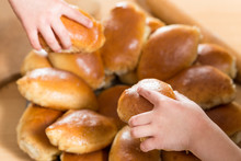 Children Take Home Buns From A...