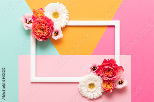 Fotografía Happy Mother's Day, Women's Day, Valentine's Day or Birthday Pastel Colored Background