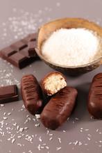 Chocolate Bar And Coconut Powder- Homemade Bounty