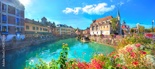 Photo Canal du Thiou and Church of Saint Francois de Sales in Annecy