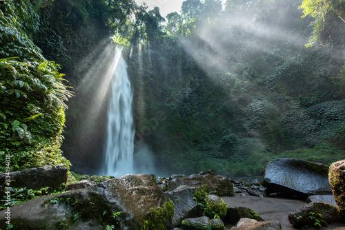 Fotografía Nungnung Waterfall, Bali, Indonesia