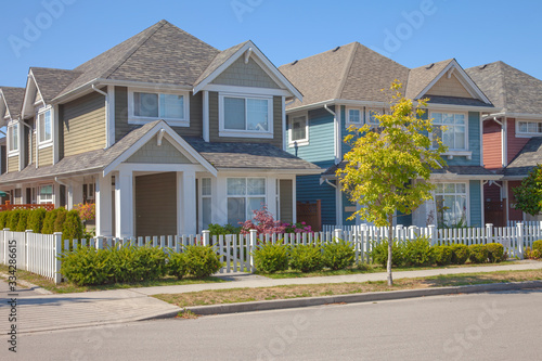Платно Residence in Richmond BC Canada.