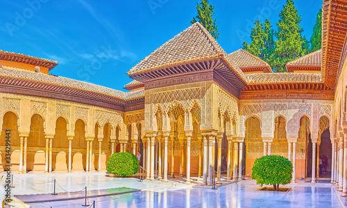 Canvastavla Impressive Court of Lions, Nasrid Palace, Alhambra, Granada, Spain