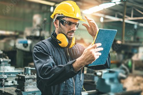 Fotografia Industrial Engineers in Hard Hats