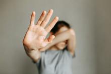 Stop Domestic Violence. The Gi...