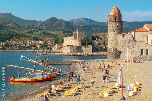 Photo Phare de Collioure et barques catalanes
