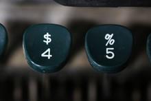 Vintage Typewriter Numbers 4 A...
