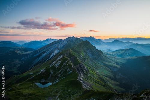 Obraz na plátně Mont Charvin au lever de soleil