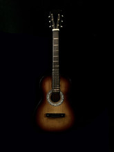 Six-stringed Acoustic Guitar O...