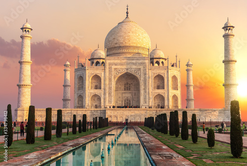 Obraz na plátně Taj Mahal at sunset, beautiful scenery of India