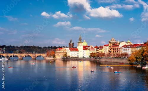 Fototapety, obrazy: Bridge and river in the city of Prague