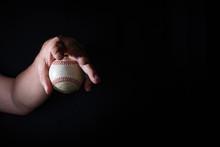 左投げ投手の変幻自在の変化球