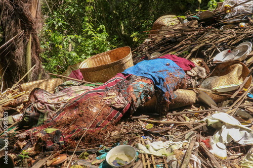 Photo Human remains wrapped in colored cloth