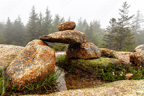 Photo Rock formation along the hiking trails in Acadia National Park, Maine