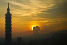 Taipei 101 At Sunrise_3