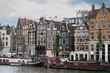 Case olandesi in riva al fiume