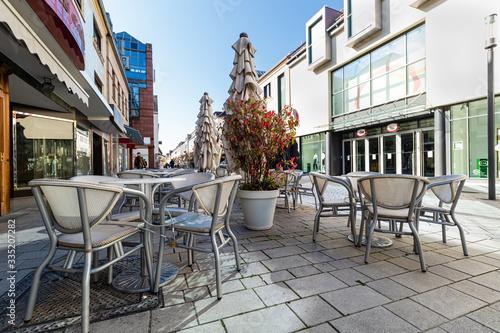 Obraz na plátne Kawiarnia w centrum miasta