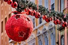 Large Circular Christmas Toy H...