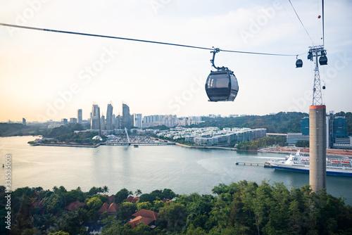 Fotografía Sentosa cable car over Singapore